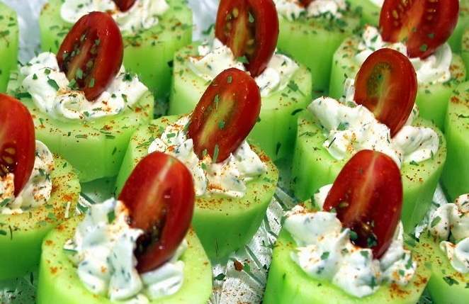 Cucumber Bites with Herb Cream Cheese