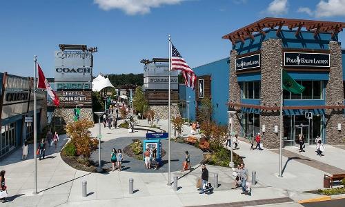 Seattle Premium Outlets, Tulalip, Washington