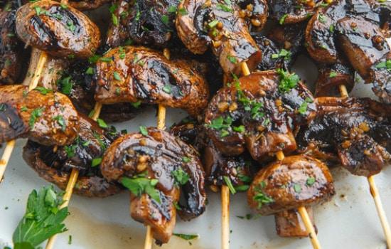 Balsamic Garlic Grilled Mushroom Skewers Recipe