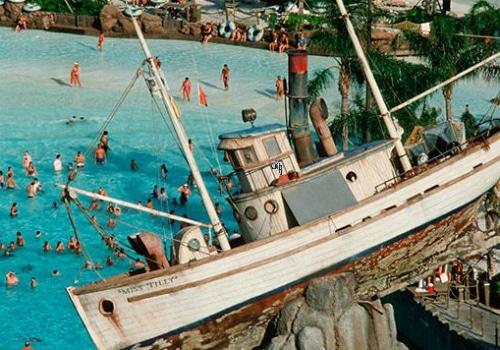 disneys-typhoon-lagoon-waterpark-orlando-florida